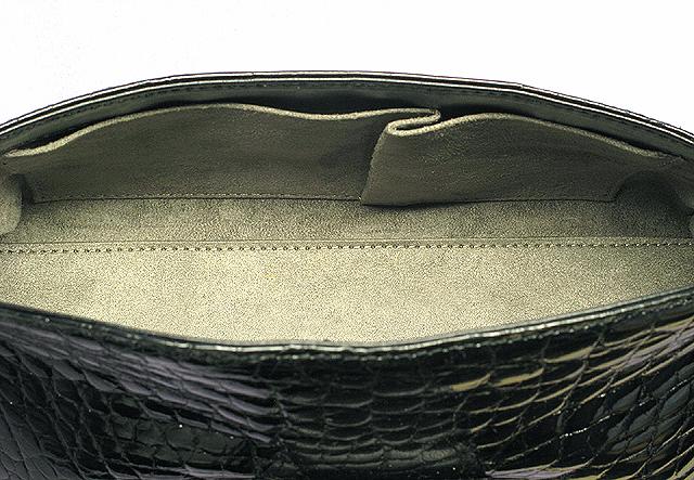 クロコダイル・ハンドバッグ