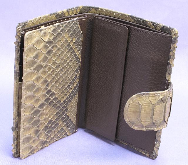 パイソン・二つ折り財布ベロ付(ベージュ)