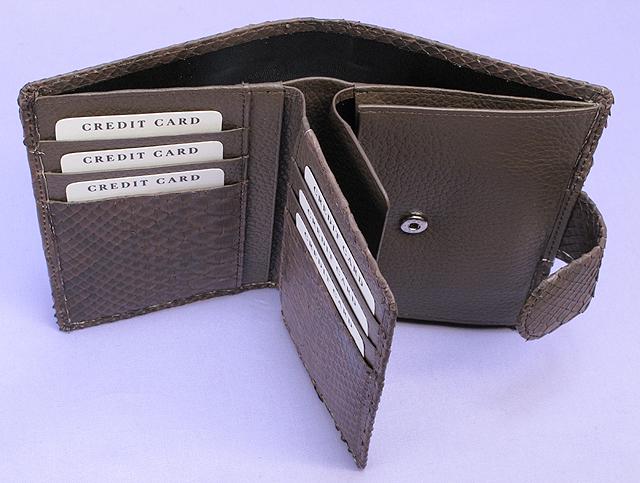 パイソン・二つ折り財布ベロ付(チョコ)