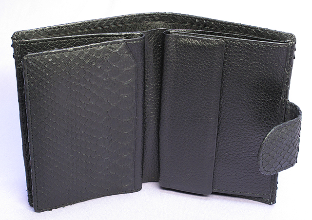 パイソン・二つ折り財布ベロ付(クロ)